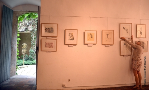 Jill Steenhuis Ruffato setting up exhibit